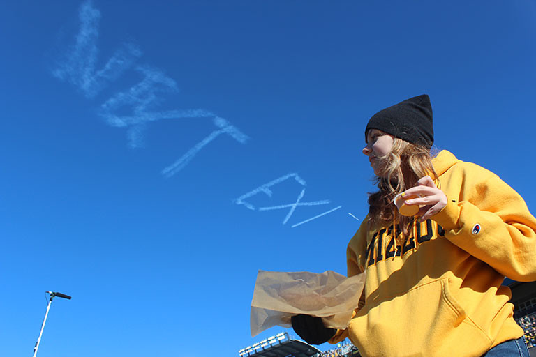 Kim_Beck_skywriting_03